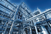 Rafinerii ropy naftowej i gazu, podświetlany efekt — Zdjęcie stockowe