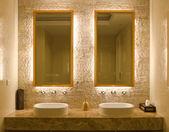 Décoration d'une salle de bain — Photo