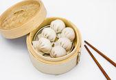Steamed shrimp dumplings dim sum — Stock Photo
