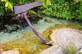 Un asceta es nombre de piscina hermosa primavera — Foto de Stock