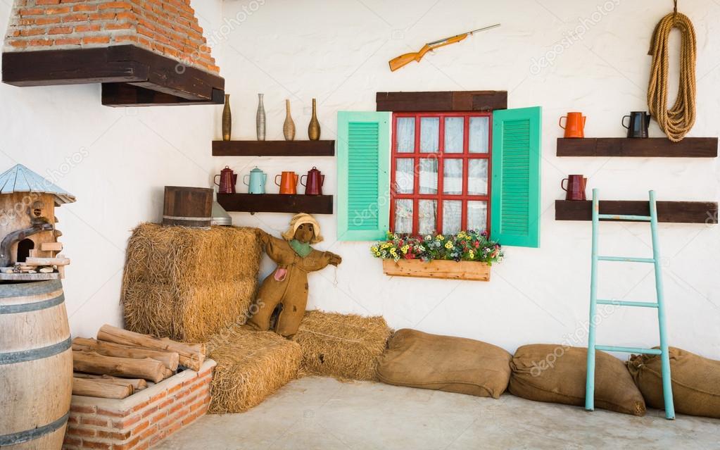 Diseño interior de una antigua casa de campo — foto de stock ...