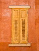Wood window on wall — Zdjęcie stockowe