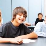adolescentes na escola — Foto Stock