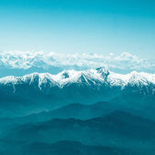 Snow Mountain Range Landscape with Blue Sky — Stock Photo
