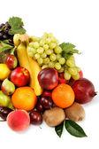 Frutas frescas aisladas sobre un fondo blanco. conjunto de diferentes fr — Foto de Stock