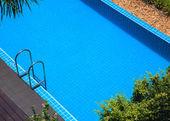 Férias de verão azul piscina — Foto Stock