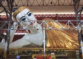 Chaukhtatgyi 寺 mya、ヤンゴンで巨大な涅槃仏 — ストック写真