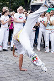 Varsavia, 26 agosto, 2012,-capoeira sulla parata di strada multiculturale di varsavia — Foto Stock