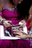 Warsaw, august 26, 2012,-Henna painting on Warsaw Multicultural Street Parade — Stock Photo