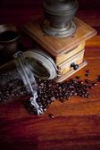 Koffie stilleven met pot en grinder — Stockfoto