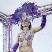 WARSAW, POLAND, AUGUST 26: Unidentified Carnival dancer on the parade on Warsaw Multicultural Street Parade on August 26, 2012 in Warsaw, Poland. — Stock Photo