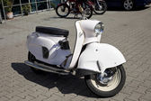 ワルシャワ - 8 月 25: 古いポーランド motobazaar のオートバイ「osa」.8 月 25 日、ワルシャワ、ポーランドの 2013. — ストック写真