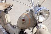 "WARSAW - August 25: Old motorcycle ""Simson SR2"" on motobazaar. August 25, 2013 in Warsaw, Poland. — Stockfoto"