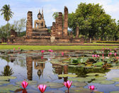 Main buddha Statue in Sukhothai historical park — Stock Photo