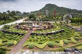 Pabellón de piedra jardín y thai lanna — Foto de Stock