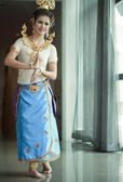 Beautiful lady dancing for original Thai dance — Stock Photo