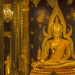 the main hall of wat thardtong with golden buddha statue — Stock Photo