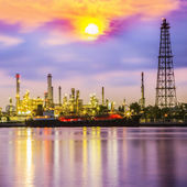 Oil refinery plant — Stock Photo