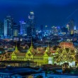 Grand palace at twilight in Bangkok between Loykratong festival — Foto Stock