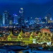 Grand palace at twilight in Bangkok between Loykratong festival — Foto de Stock