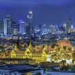 Grand palace at twilight in Bangkok between Loykratong festival — Stock Photo