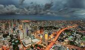 Bangkok city at dusk and transportation — Stock Photo