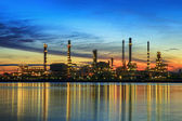 Petrochemical plant in night time — Stockfoto