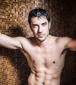 Man doing a shower in a spa — Stock Photo
