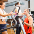 Training in a gym — Stockfoto