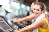 Robi fitness — Zdjęcie stockowe