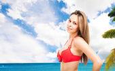 Kadının denizin dinlendirici — Stok fotoğraf