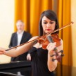Woman playing violin — Stock Photo
