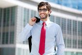 Joven empresario guapo — Foto de Stock