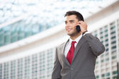 Business man talking on the phone — Stock Photo