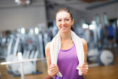 Young woman in a gym — 图库照片