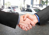 Handshake after buying a car — Stock Photo