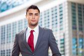 Empresário confiante bonito — Foto Stock