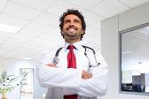Leende läkare porträtt — Stockfoto