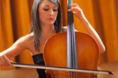 Woman playing cello — Stock Photo