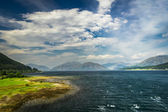 Beautiful view of the Scottish loch and hills — Stock Photo