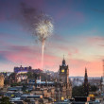 Fireworks in Edinburgh Castle at sunset — Stock Photo #12646971