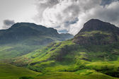 Mountain view in Scotland in the summer — Stock Photo