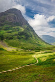 Footpath in Scotland highlands — Stock Photo
