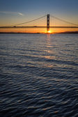 Sunset over the Forth Road Bridge in Edinburgh — Stock Photo