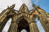 Scott Monument in sunny Edinburgh — Stock Photo