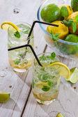 Zbliżenie zimny napój z owoców cytrusowych — Zdjęcie stockowe