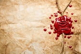 Envelop symbool bedrukt in rode zegellak op oud papier — Stockfoto