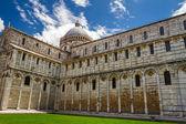 Gammal katedral i pisa, italien — Stockfoto