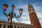Bell tower and street lamp on St. Mark's Square, Venice — Foto Stock