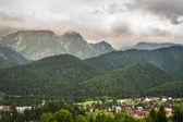 Widok wsi góra latem — Zdjęcie stockowe